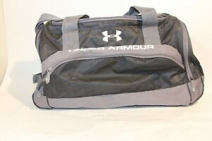 Under Armour Large Heavy Duty Duffle Gym Bag Carry On Strap Black Gray Unused