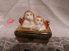 Collectibles Limoges Peint Main Trinket Box with 2 Angels Clasp