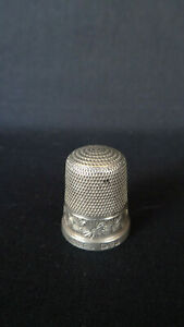 Vintage Hallmarked Sterling Silver Thimble : Chester 1924 : Charles Horner