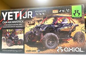 RCSparks Collection: Autographed Axial Yeti Jr - CAN AM MAVERiCK 1/18 Scale 4WD