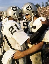 CLIFF BRANCH & FRED BILETNIKOFF 8X10 PHOTO OAKLAND RAIDERS PICTURE NFL FOOTBALL