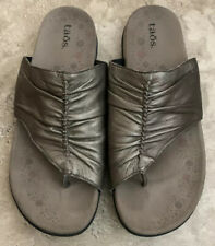 Taos Gift 2 Metallic Pewter Leather Toe Sleeve Arch Support Sandals Women 8 39