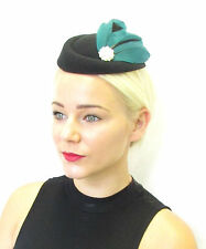 Verde Oscuro Plumas Negras Casquete Sombrero Tocado Pelo De Las Razas Vintage