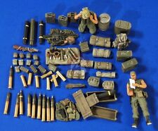Verlinden 1/35 105mm Howitzer Ammunition, Crew and Gear Vietnam (2 Figures) 2760