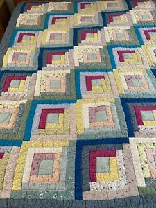 """Vintage Hand Crafted & Quilted Log Cabin Quilt 66"""" x 81"""" Twin #796"""