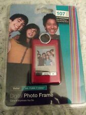 "Vivitar Digital Photo Frame Red 107 Photos 1.5"" Preview Screen"