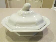 VINTAGE WEDGWOOD ENGLAND IRONSTONE COVERED TUREEN FIG