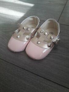 Baby girls pink pram shoes 6-12 months
