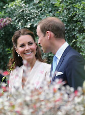 Catherine, Duchess of Cambridge & Prince William UNSIGNED photo - H5941