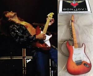 Keychain Guitar Fender Richie Sambora Stratocaster Bon Jovi Cherry Burst New
