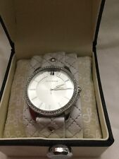 BCBG GIRLS WATCH QUILTED LEATHER EXCELLENT IN BOX CZ NEEDS BATTERY