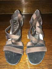 donald j pliner Womens High Heel Shoes Size 6.5 Us Stripe Brown