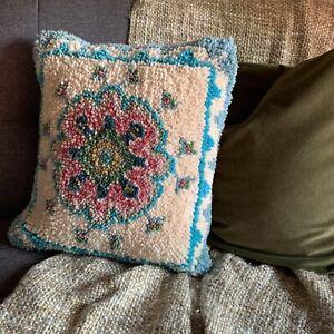 Vintage Latch Hook Medallion Floral Pillow Cover Boho Velvet Pink Blue 18X18