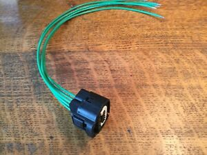5-wire Black & White Connector Pigtail for Toyota Tundra LED / Lexus RC300 HID