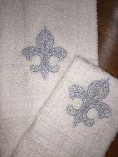 Embroidered Bathroom Hand Towel & Wash Cloth Set H1250 Silver Fleur De Lis