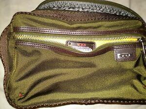 NEW $150 Tumi Reno Kit Travel Shaving Bag Toiletry Case Green Canvas NWT Nylon