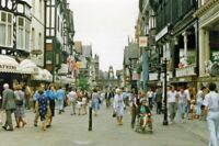 PHOTO  CHESHIRE  CHESTER SHOPPERS IN 1986