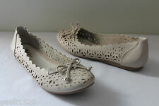NEW! White Mountain Beautiful Ballerina Flats Laser Cut Icing White Shoes 8 M