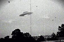 Framed print-vintage anni 1950 FOTO DI UN ALIENO UFO (PICTURE POSTER viaggiare nello spazio