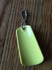 TUPPERWARE ~ VINTAGE SHOE HORN ON KEYCHAIN  gadget ~ YELLOW