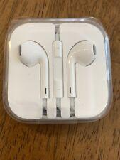 Apple Authentic EarPods 🍎 Headset w/ Mic & Remote Brand New 3.5mm 🎧 Headphones