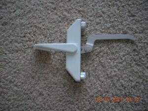Pella Casement/Awning Lock Handle Lever by Thermastar Right Hand  V615383 White