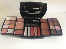 BR 16 EyeShadows,4 Blushers,5 lipgloss,2Pressed Powder,1Mascara
