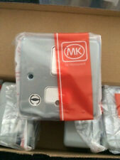 MK K972ALM ,13a, DP Metalclad Plus Switched Spur, Neon & Flex Outlet