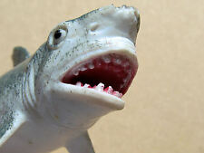 VINTAGE BATTLE-SCARRED SOFT-PLASTIC SHARK 12 CM LONG A REAL BRUTE IN MINIATURE
