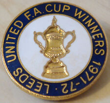 LEEDS UNITED Very rare vintage 1972 FA CUP WINNERS Badge Brooch pin 29mm x 29mm