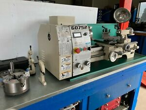 """Grizzly Metal Lathe 10"""" x 20"""" Variable Speed"""
