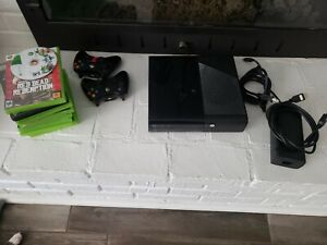 Used Xbox 360 Bundle: Console/2 wireless controlers/10 Games  HDMI cable