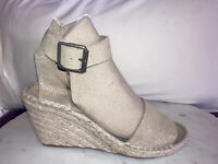 J Crew Women 7 Gold Shimmer Leather Wedge Espadrille Shoes Open Toe Spain Worn 1