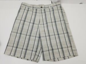 IZOD Golf XFG Mens Casual Shorts Plaid Flat Front Size 30 X-Treme Function
