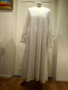 Modern Rarity White Cotton Cut out Lace Dress UK10 RRP 125