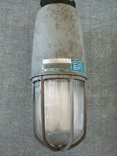 (1)Vintage Crouse Hinds vaporgard Explosion Proof  Industrial Light w/ Cage