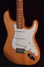 Fender Classic Series '70s Stratocaster w/Pau Ferro Neck - Natural