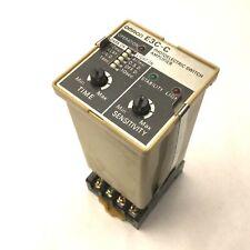 Omron E3C-C Photoelectric Sensor Amplifier, 100-240VAC, 50/60 Hz, With Base