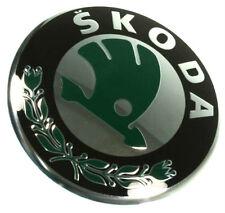 SKODA Roomster Praktik 06- EMBLEME logo AVANT grille ORIGINAL marque