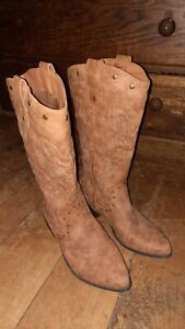 Cowgirl Boots Size 9