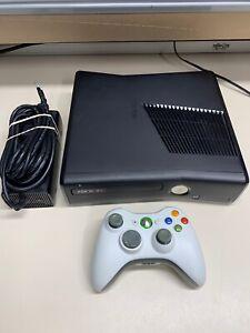 Microsoft Xbox 360 Slim S 4GB Black Console w/ Cables & Controller