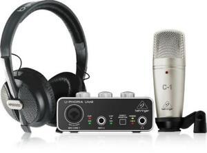 Behringer U-Phoria Studio Recording/Podcasting Bundle