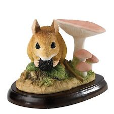Field Mouse with Berry Border Fine Arts Mammals Figurine 8.5cm A27055 RRP£27