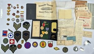 LOT OF 67 WW2 US SOLDIER ORIGINAL MEDALS PATCHES PILOT-LOG PAPERS COMPASS  142
