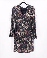 KAREN KANE Floral Dress Knee Length Size Medium Stretch Long Sleeve V Neck