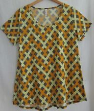 LuLaRoe classic tee shirt top size L  yellow basket weave NWOT short sleeves