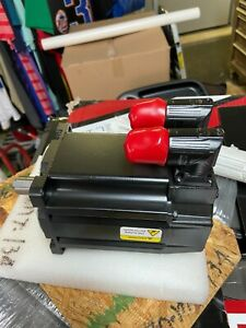 allen bradley MPL-B420P-MJ72AA  480 V AC ROTARY SERVO MOTOR