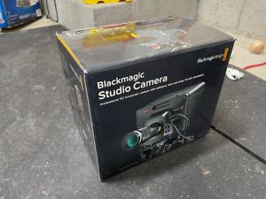 Blackmagic Design CINSTUDMFT/HD/2 Professional HD 2 Design Studio Camera - Black