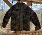 Mens Medium X Short US Army Field Jacket Cold Weather Woodland Camo DLA-100-85C