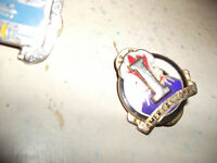 Lot of 3 USA Military metal Badges (Australia connect..